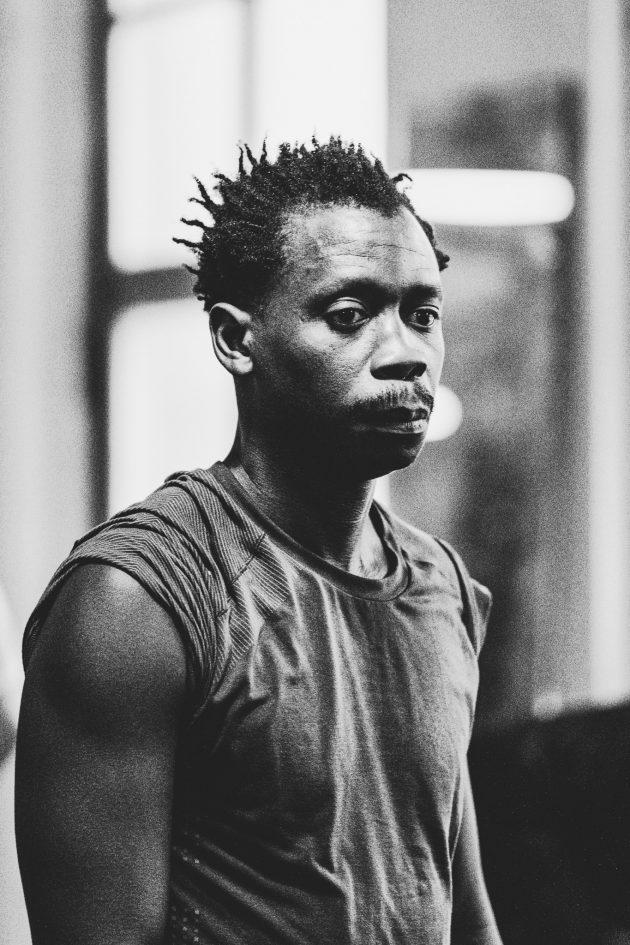 riverside boxing training pause man