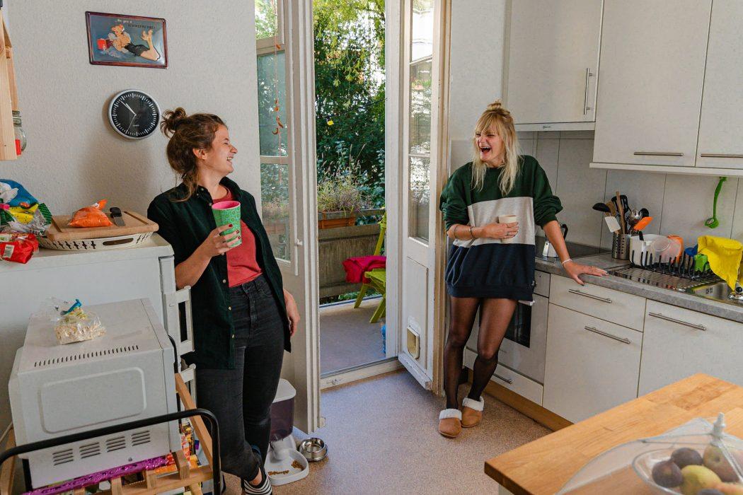 wimen in the kitchen