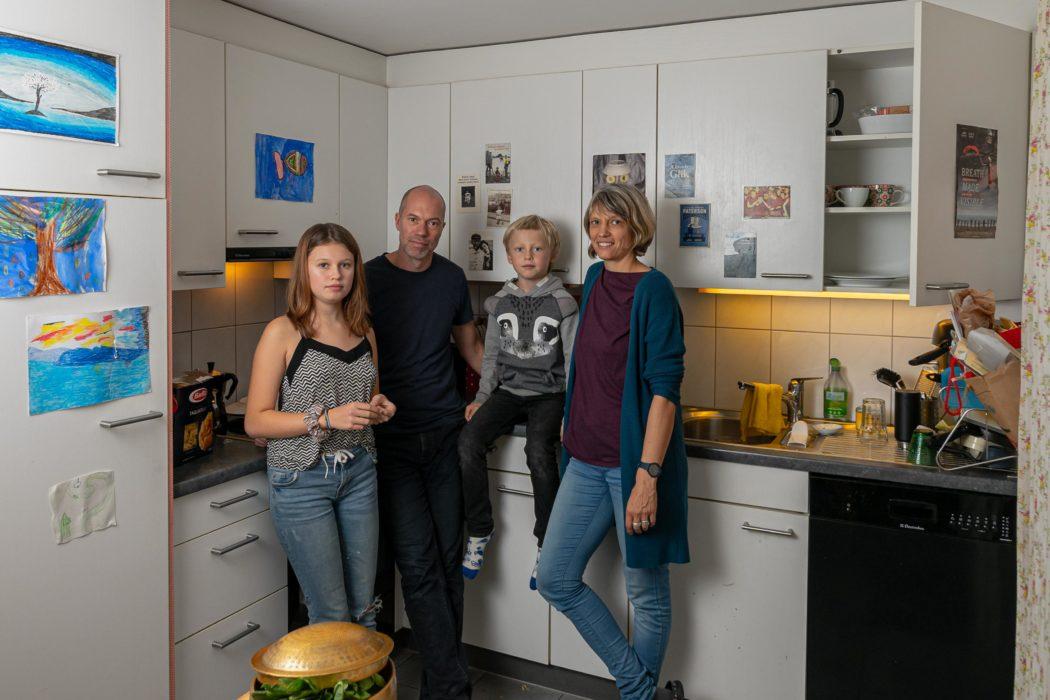kitchen_family human kids parents