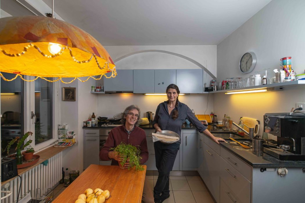 kitchen_man and women